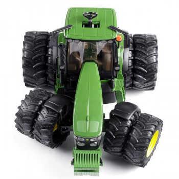 Трактор John Deere 7930 с двойными колёсами